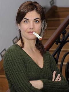 Samanta Villar fumada