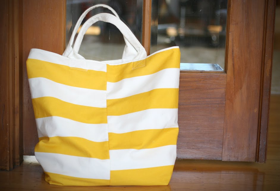 DIY: Making a Beach Tote Bag - Say YesSay Yes