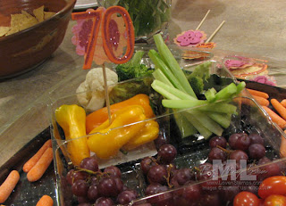 Fancy Vegetable Tray Ideas http://lovenstamps.blogspot.com/2009_08_01_archive.html