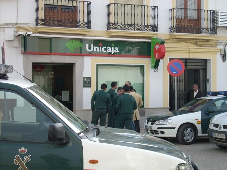 Cartaojal noticias antequera m laga roban el cajero de for Unicaja oficinas malaga