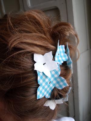 Soduel Reversible Flower Girl Hair Slides Tutorial