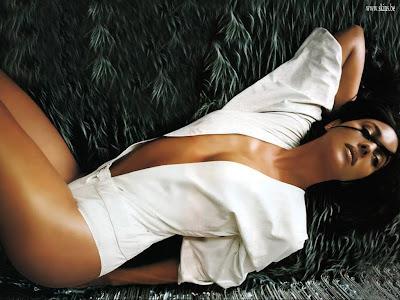 Monica Bellucci sexy amazing photo