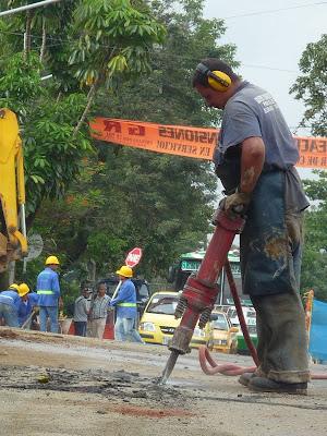 Trabajando un domingo en calle de cali - 1 part 7