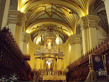 A closer look at the inside of the cathedral in Lima.