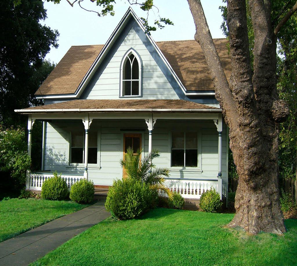 Tumbleweed Tiny House Cottages: The Glorious Pile: Itsy Bitsy Teeny Weeny Tiny Houses