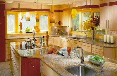 Una cocina decorada en amarillo