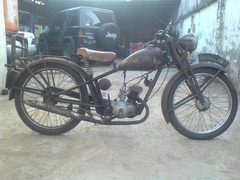 MOTOR TUA (classic motorcycle)