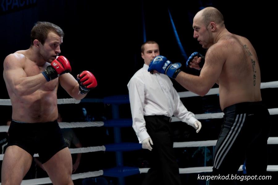 Виталий Лазовский и Виктор Талашов дерутся за право участия в финале чемпионата M1 Belarus Selection 2010