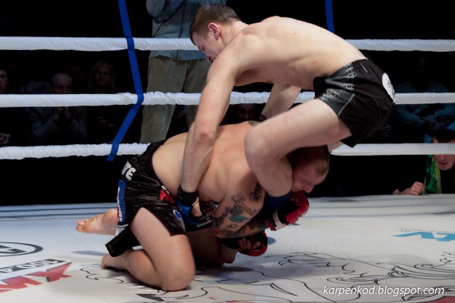 Роман Мироненко и  Борис Мирошниченко в поединке за звание чемпиона по смешанным единоборствам M1 Belarus Selection 2010