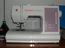 voici ma nouvelle machine a coudre ,que j'ai acheté en mai 2010.