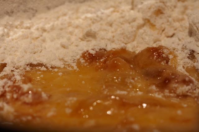 aprikoosi, pilkkuleipä