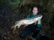 Wakefield Member Andy Naylor with a 21lb Pike