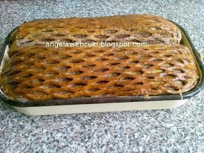 a megsült kelt tésztás sütemény