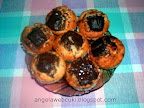 Kókuszos csokis vaníliás muffin, kókuszreszelékkel és barna cukorral.