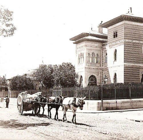 El Madrid de los Borbones (III): Paseo del Prado y Puerta de Alcalá Palacio+Xifr%C3%A9,++1890.