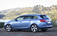 2011 Opel Astra Sports Tourer Price 11