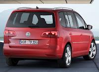2011 Volkswagen Touran MPV 2
