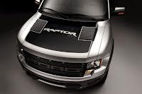 2011 Ford F150 SVT Raptor SuperCrew 18