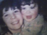 conmi mami de pequeña ♥