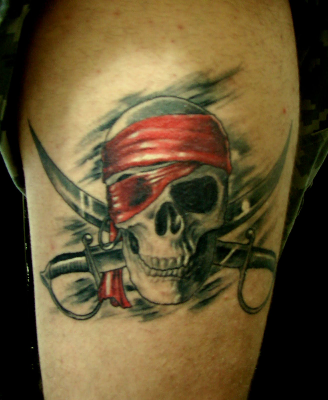 REIS DA TATTOO: CAVEIRA PIRATA