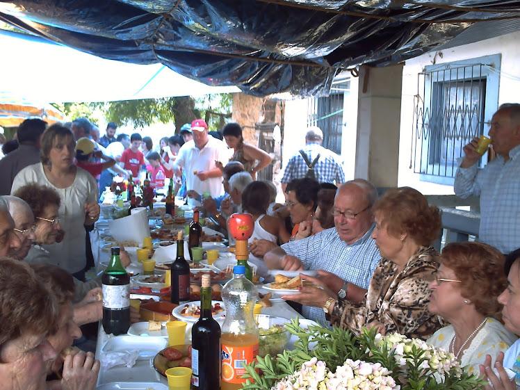 COMIDA DE HERMANDAD ( DOMINGO 27/06/2010)