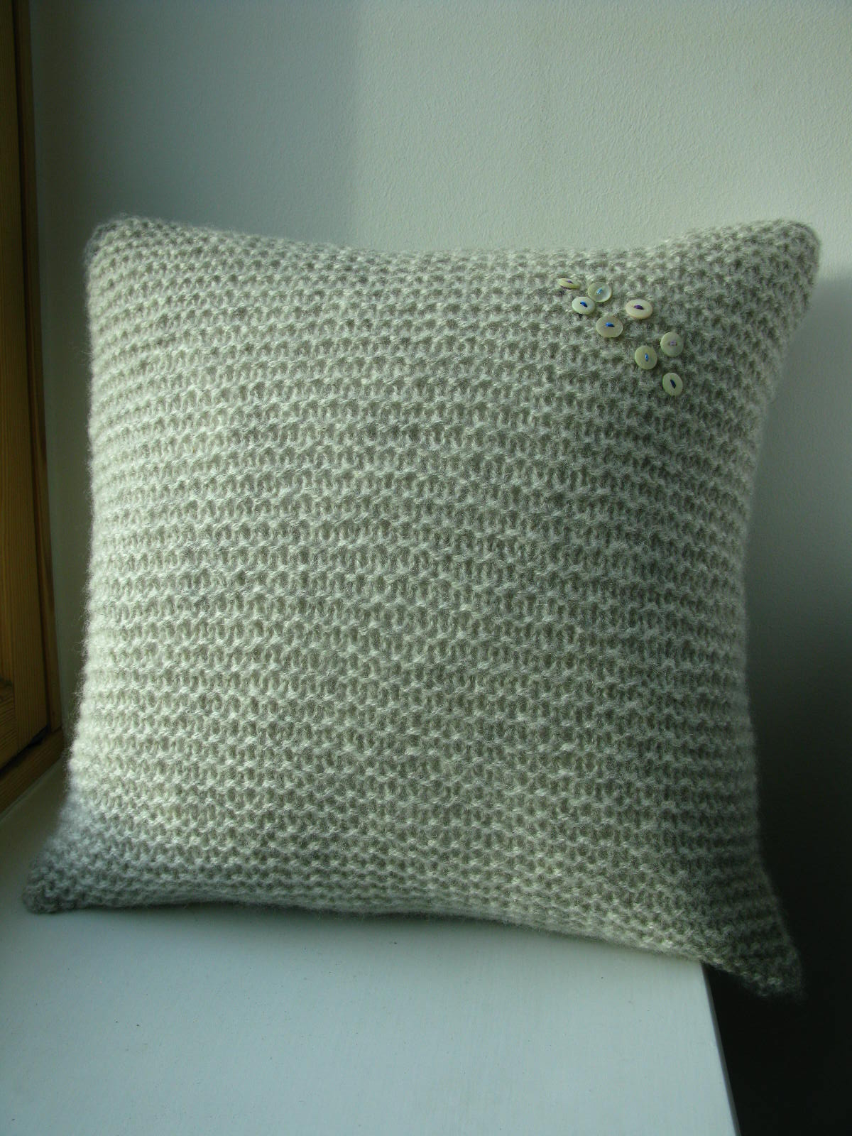 Knitting Pattern Free Cushion Cover : littletheorem: Dunlochay Cushion Cover