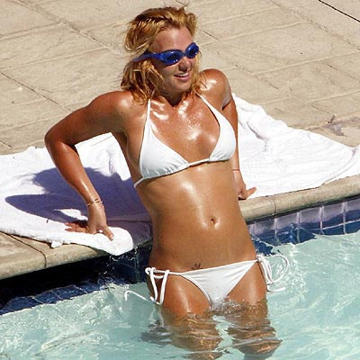 Exclusive Bikini Wallpaper  Britney Spears awful Bikini Pictures