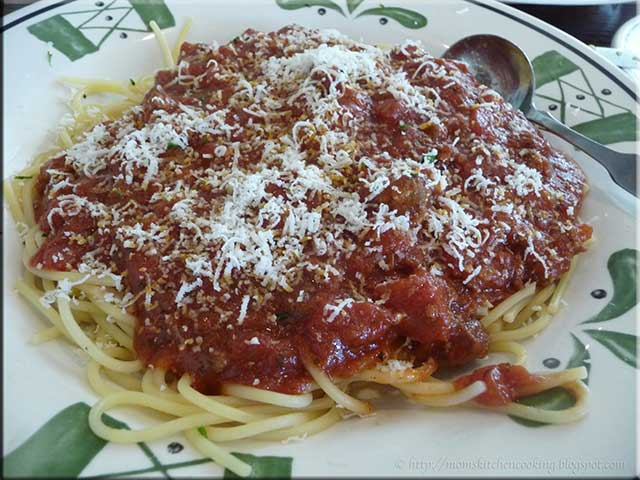 spaghetti with meat sauce - Olive Garden Lima Ohio