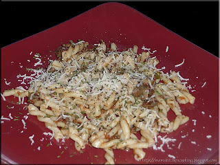 gemelli with meat sauce