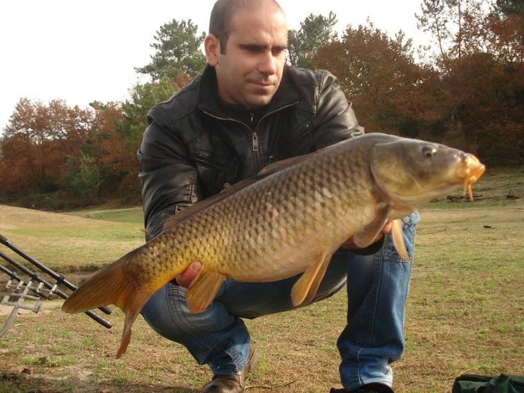11 Dezembro 2010... os 3 primeiros peixes desferraram , mas ainda saíu uma carpa e um barbo