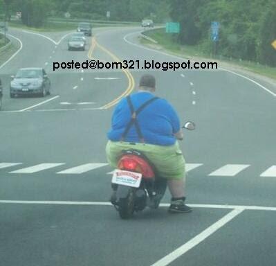 Motorsikal Yang kEcil, Atau Orang Yang Besar