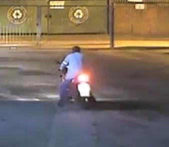 Tak Tahu Memberhentikan Motosikal ?