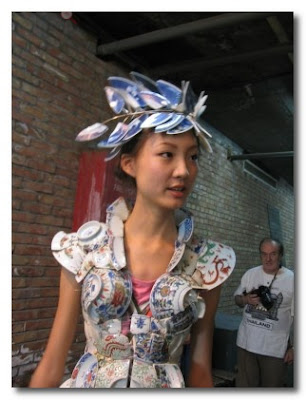 Li Xiaofeng dress made from broken china