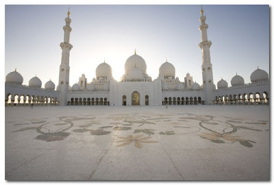 floor of Abu Dhabi Grand Mosque by kevin dean