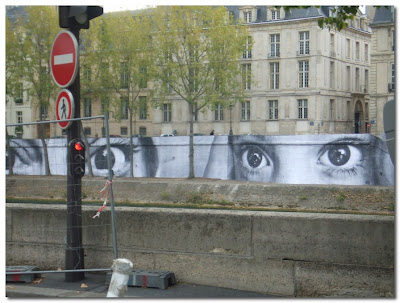 eyes on the seine paris