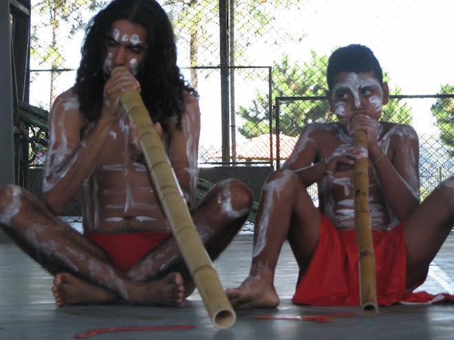 Eu e meu amigo Mini Aborígene (Maicon)