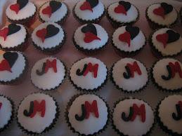 j&m engagment cupcakes20.3.10