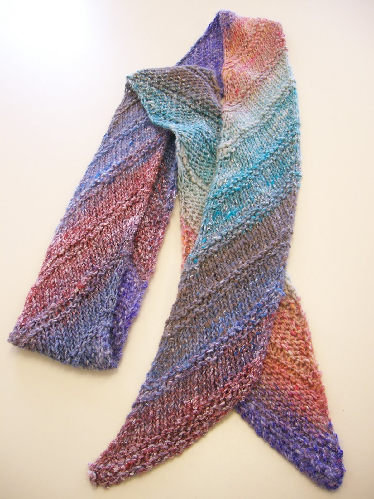 Diagonal Knit Scarf Pattern : KnitTraders of Kingston Patterns: Classic Diagonal Scarf