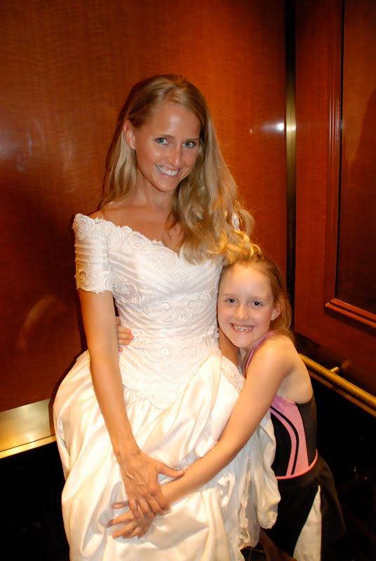 MeMe+Wedding+Gown+2010+b wedding gown challenge