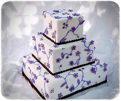Purple flower wedding cake beautiful 3 tier round wedding cake