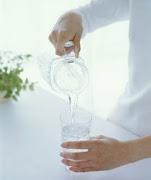 O verdadeiro Espírita não faz do passe uma necessidade,nem da água fluidificada uma vitamina diária