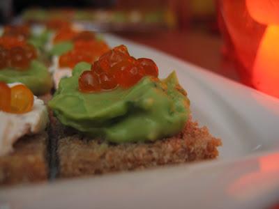 Tomaten quiche canap s d 39 oeufs de saumon l 39 avocat au for Canape au fromage