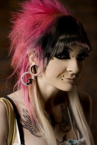 Photo represent crazy pink short hairstyles for emo girls