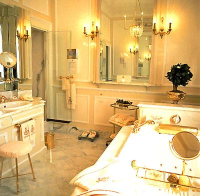 Villa Anna: A love dedication to beautiful bathrooms...