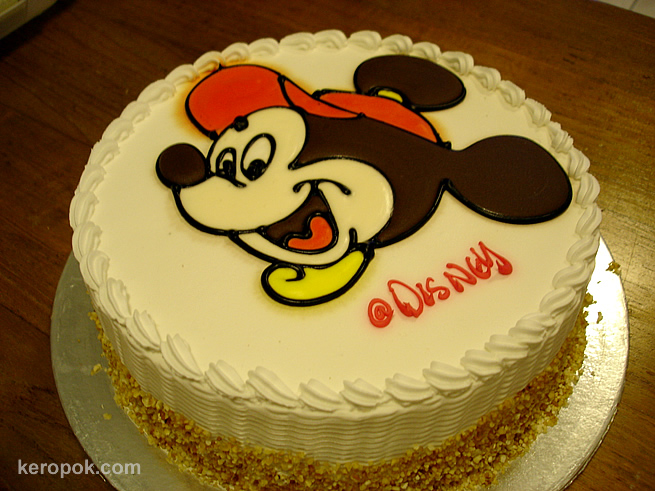 Singapore Food Blog Keropokman Singapura Makan Mickey Mouse Cake