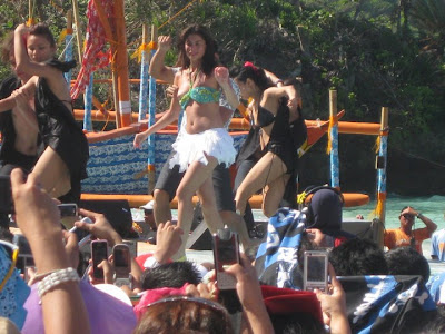 Anne Curtis Nip slip, Anne Curtis ASAP in Boracay