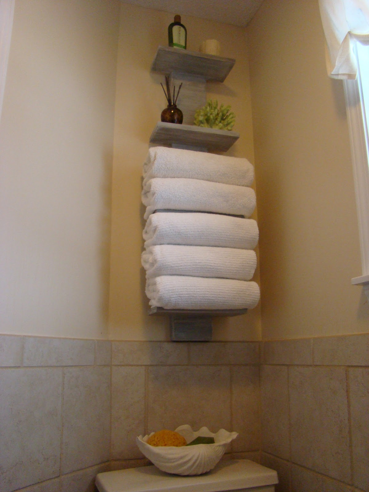 Bathroom Towel Storage Ideas : My bath finally gets some towel storage
