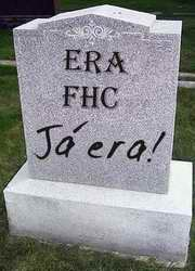 Lápide com o fim da era FHC