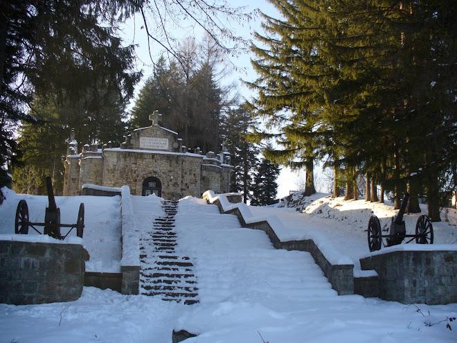 Mausoleul din staţiunea Soveja 2007