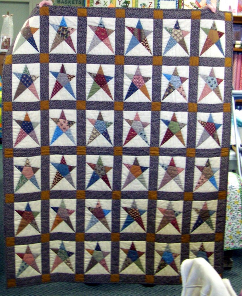Attic Window Quilt Shop: CLASS SAMPLES AT THE ATTIC WINDOW